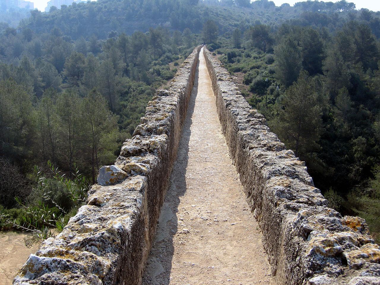 Il condotto dell'acquedotto di Les Ferreres a Tarragona, in Catalogna.