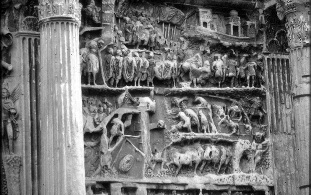 L'assedio di Ctesifonte raffigurato sull'arco di trionfo dedicato a  Settimio Severo.