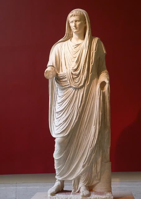 Statua di Augusto nelle vesti di Pontefice Massimo