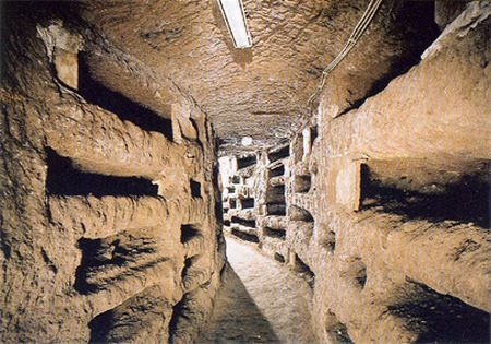 I corridoi delle catacombe di Priscilla a Roma