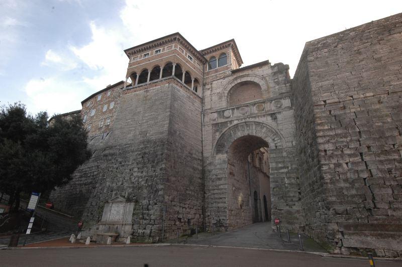 L'arco di Augusto di Perugia.