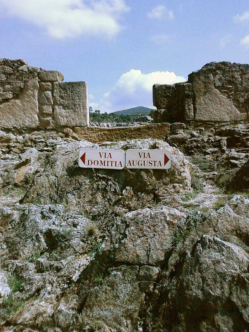 Il punto di incontro fra la via Domitia e la via Augusta.