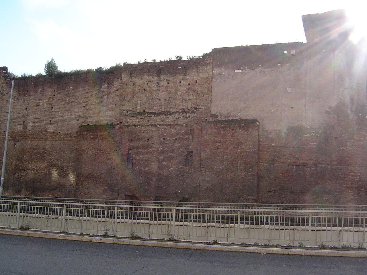 Tracce della Porta Pretoriana