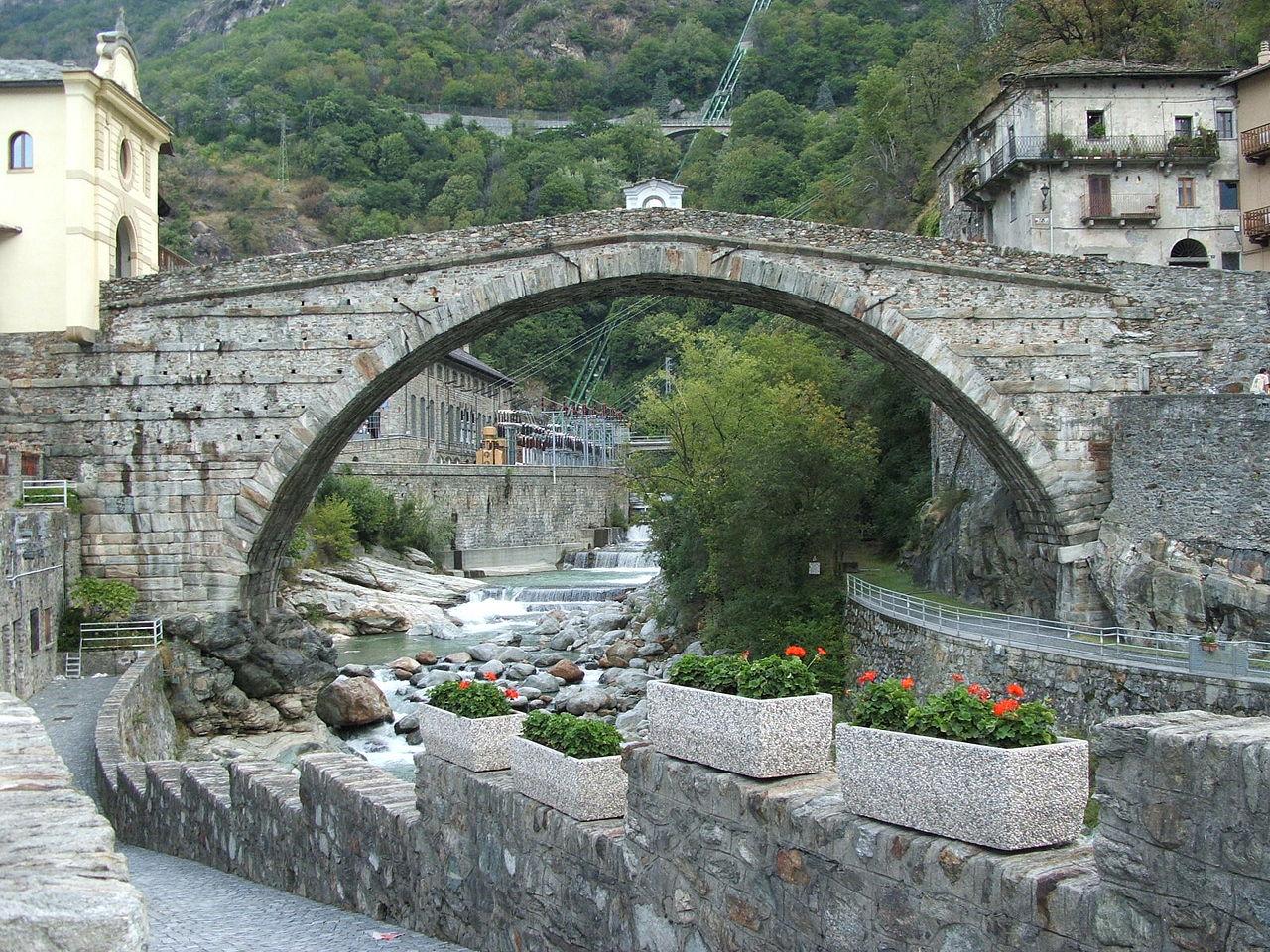 La via delle Gallie, Pont Saint Martin