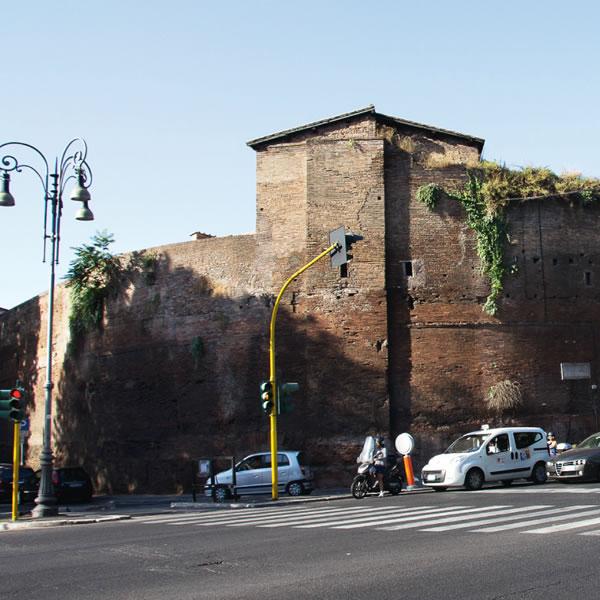 Mura dei Castra Praetoria a Roma